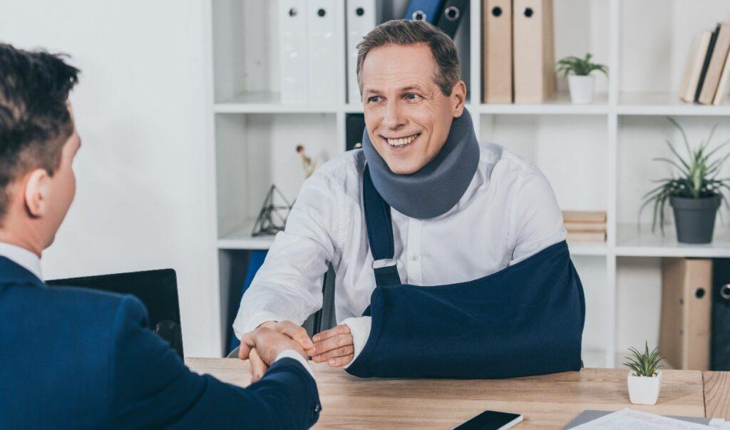 worker in neck brace